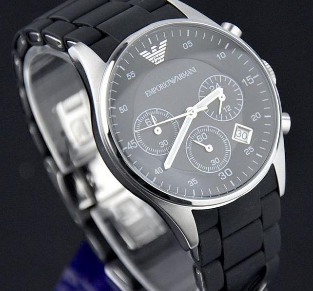 精准的阿玛尼手表