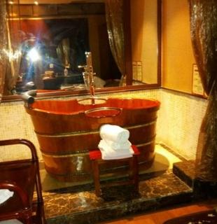 丽妍春天木桶浴