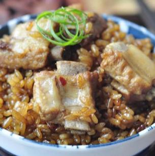 搜排骨米饭