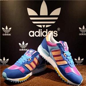 三叶草运动鞋