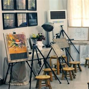 艾涂图国际儿童美术中心画室