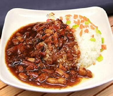 锅先森台湾卤肉饭好吃