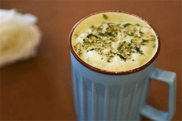哆菓饮品绿茶奶盖