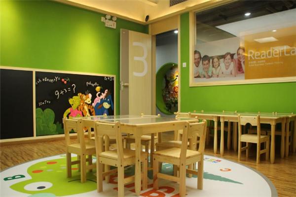 瑞徳启朦教育教室展示
