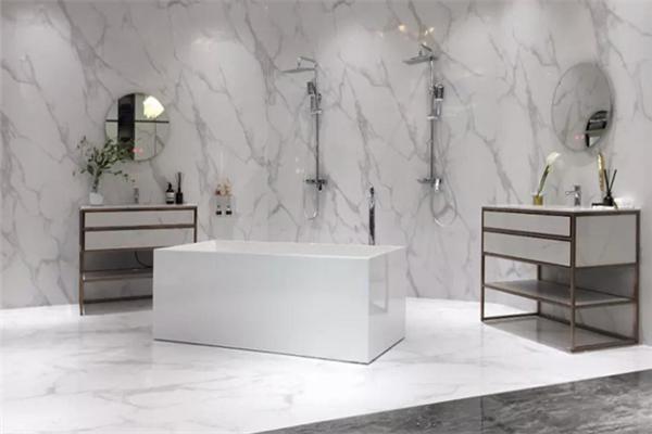 依诺陶瓷的厕所的瓷砖