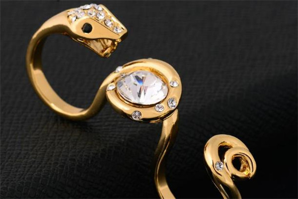 威妮华时尚首饰金蛇