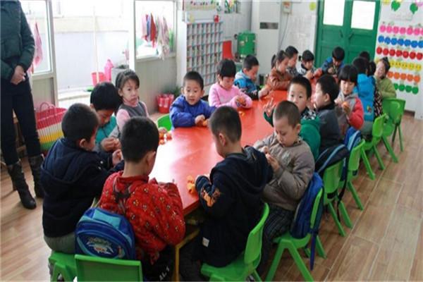 天宝乐幼儿园上课
