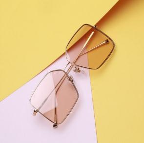 logo眼镜产品