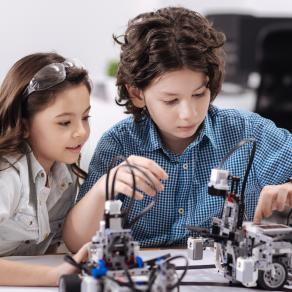 贝思哲机器人科技中心动手