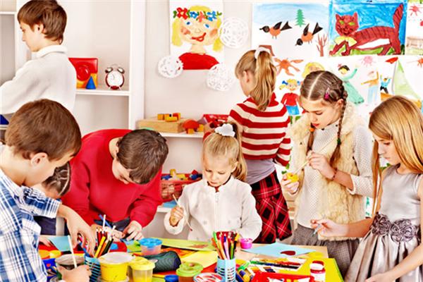四个爸爸儿童美术学习