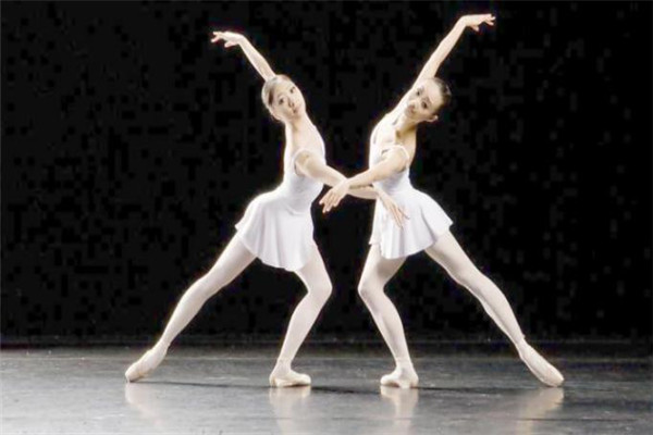 黑暴舞校双人舞