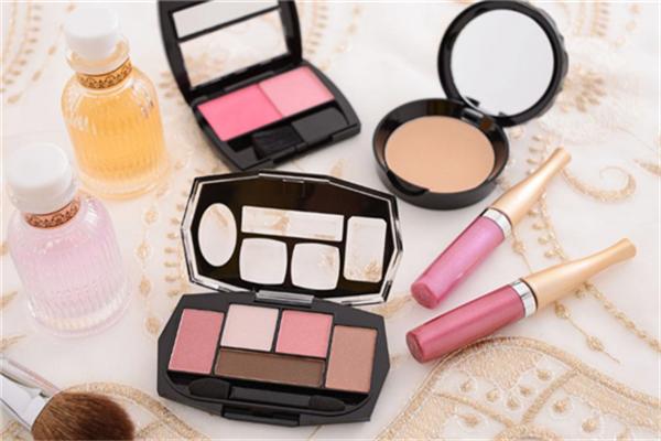 创颜化妆品产品