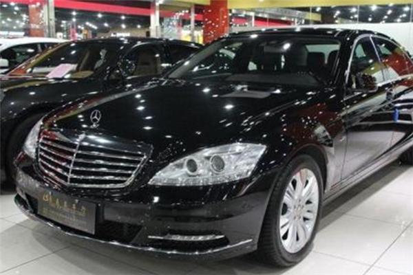 買賣二手車黑色