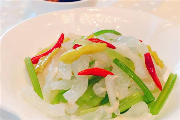龙厨餐饮芹菜