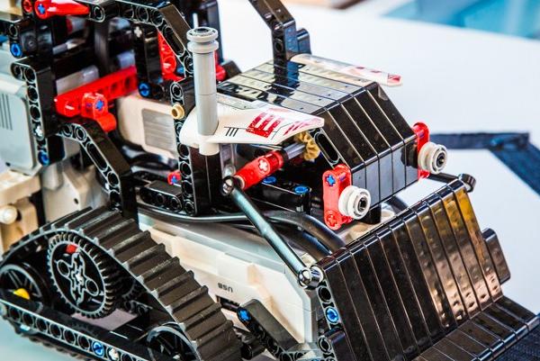 儿童科技营STEAM乐高机器人品质优
