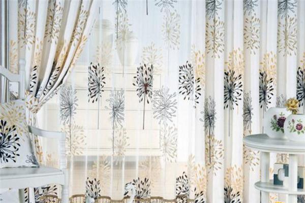东装窗饰纱织窗帘