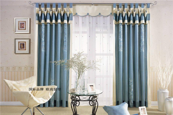 誠然窗飾藍色窗簾