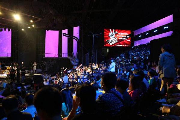 中国好声音百强学员巡回表演联合蔓哲莎斯莱思模特走秀,给您不一样的视听盛宴!