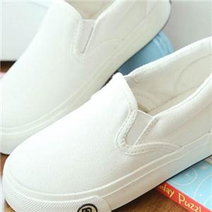 人本童鞋白色