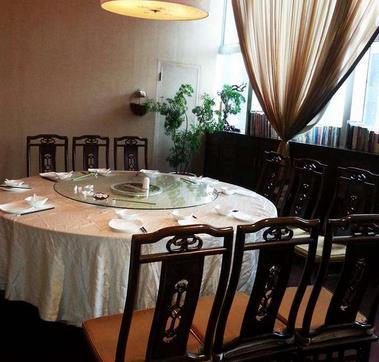 宝香厨素食餐厅圆桌