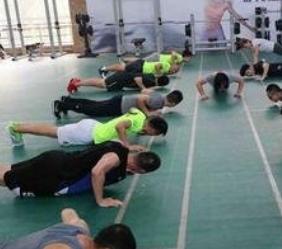 德西健身教練培訓俯臥撐