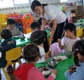 京师幼学幼儿园上课