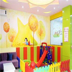 爱佰贝母婴生活馆宣传