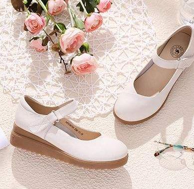 駱駝女鞋小白鞋