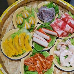 十盘九碗市井火锅特色