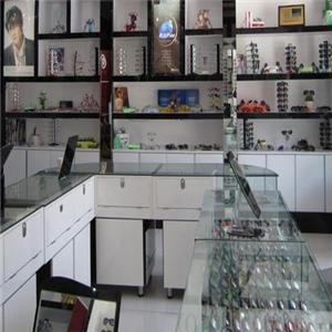 精華眼鏡店玻璃