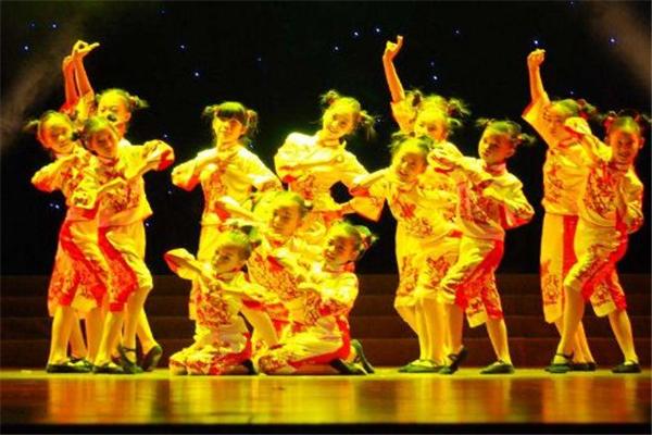爱琴海少儿舞蹈团活动
