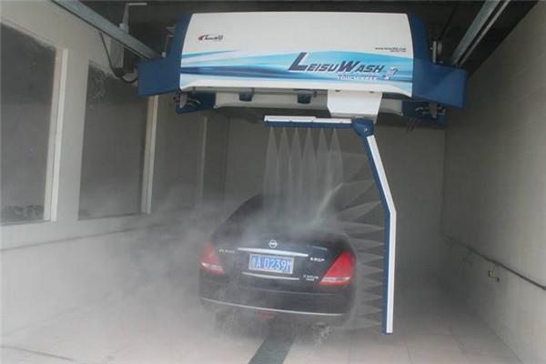 镭豹360全自动电脑洗车机展示
