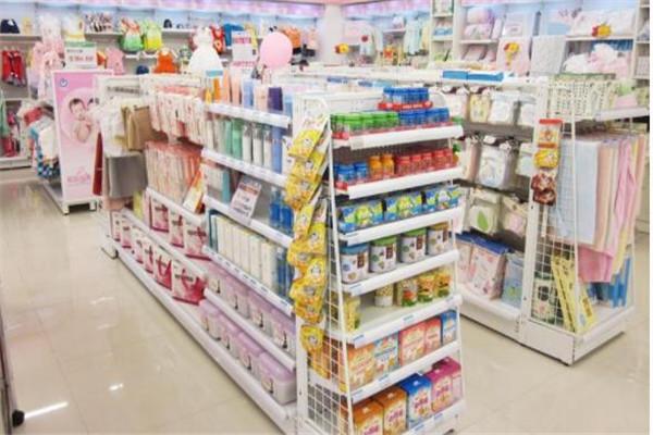 丽丰宝贝国际孕婴童店内