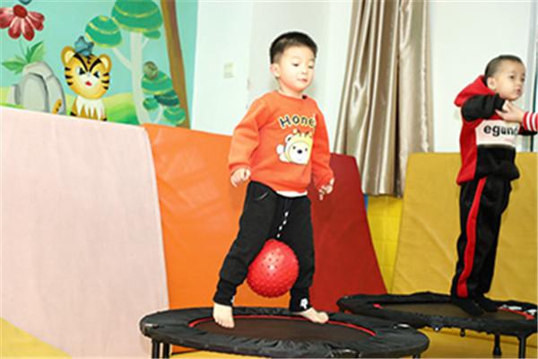 動漫火車感統訓練中心展示