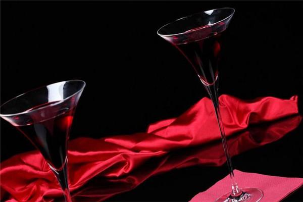 興利太平洋酒業宣傳