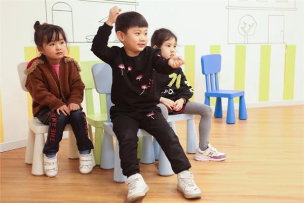 帝宸星国际影视教育孩子