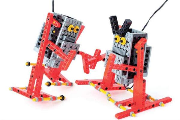 机器人教育培训班红色