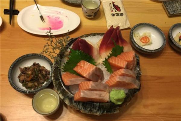 鱼四季日本料理特色