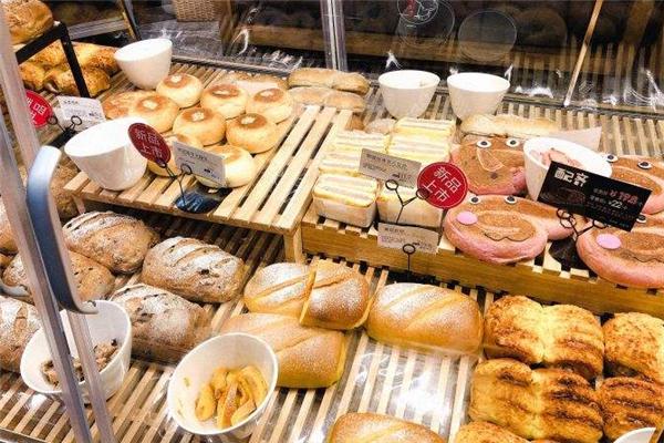 东哥面包店大碗