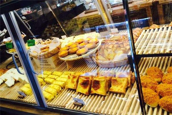 东哥面包店木板