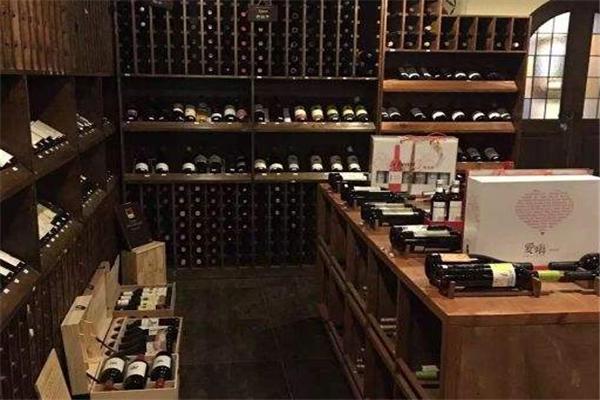 鵲爾斯酒窖品牌