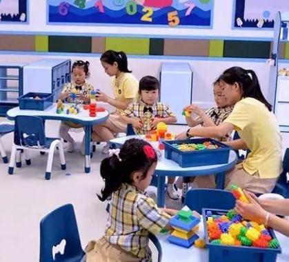 一尺和偉才國際幼兒園互動