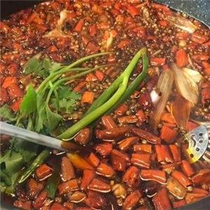 摆锅阵美蛙鱼火锅美味