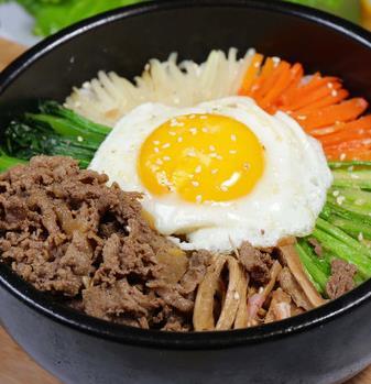 中韩石锅拌饭