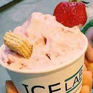 韩食里雪冰甜品