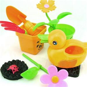 开心益智玩具鸭子