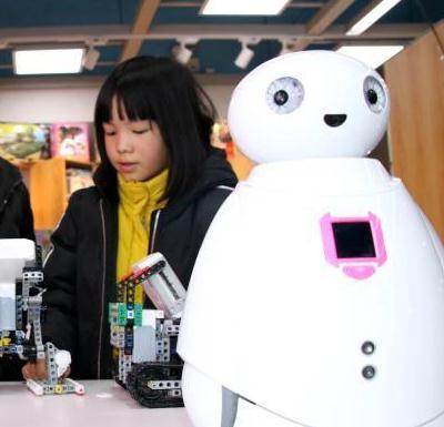乐蒙乐贝教育机器人思考