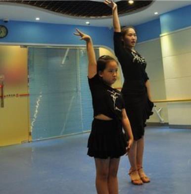 優善教育練舞