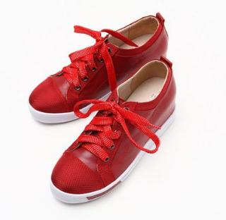 百思图女鞋红色