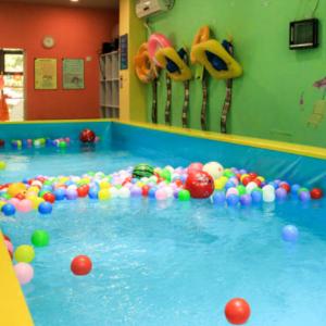 33度嬰兒游泳館健身